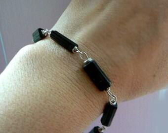 Black raw tourmaline gemstone bracelet- Rough tube stone bracelet- Men bracelet wire wrapped sterling silver- Raw stone jewelry- Unisex gift