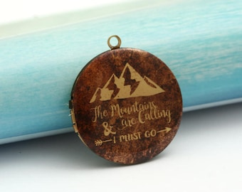 mountains are calling explorer round antique bronze locket 32mm (LD252)