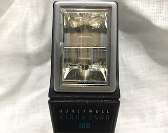 SALE** Vintage Honeywell Strobonar 100 Flash