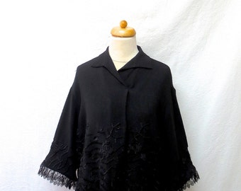 1940s / 50s Vintage Embroidered Crepe Blouse / Black Floral Lace Trim Top