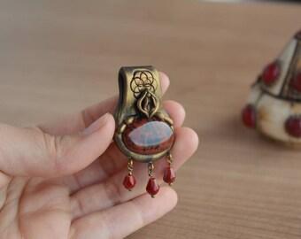 Menstruation pendant with Mahogany Obsidian, period, yoni necklace, yoni pendant, vagina necklace, vagina pendant, bleeding pendant