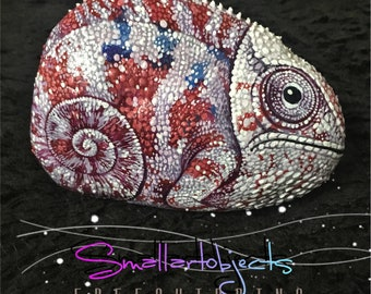 Superb Artwork ' lovely chameleon ' Original rock painting by Kannika Jansuwan