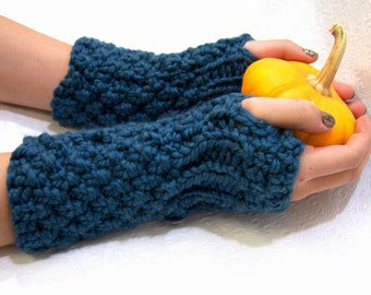Turquoise Chunky Knit Fingerless Mittens, Button Cuff Fingerless Mitten, Turquoise Blue Armwarmers, Turquoise Fingerless Mitten, Fall Trends
