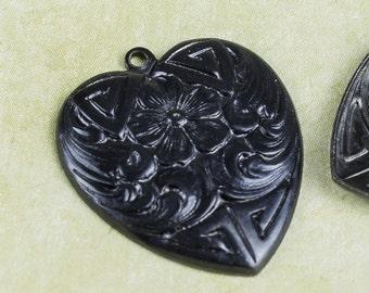 25%OFF Vintaj Arte Forget Me Not Heart Charms Metal Pendants Gunmetal Black DIY jewelry craft supplies Flowered Heart Vintage Style ADP0017