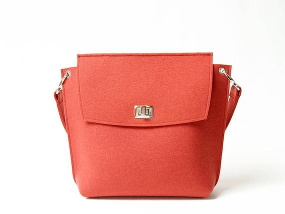 Wool Felt FLAP BAG / orange tote bag / orange bag / womens bag / felt shoulder bag / elegant bag / made in Italy