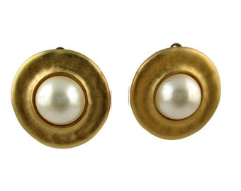 Vintage Erwin Pearl P.E.P  Faux Pearl Cabochon Goldtone Clip Earrings