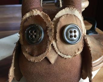Primitive owl tuck ornie