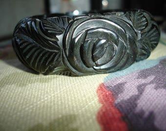 1S Carved Bakelite Bracelet