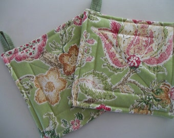 Pot Holder Set of 2 Mod Floral, Green Floral Hot Pad, Pair Pot Holders