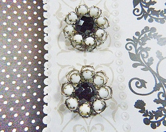 Vintage 1950s MIRIAM HASKELL Black and White Bead Clip Earrings - V-EAR-636 - Black Rhinestone Earrings