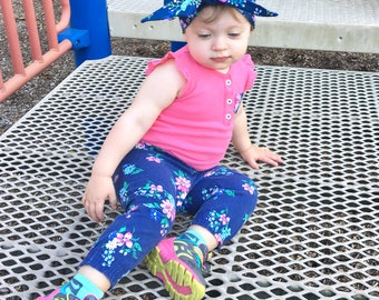 Navy Floral Headwrap- Headwrap; Flower Headwrap; Mommy and Me Headbands; Head Wrap; Baby Headband; Baby Headwrap; Toddler Headwrap; Big Bow
