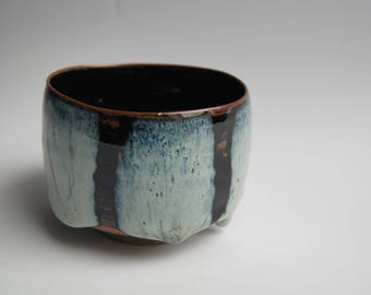 "Bowl ""Chawan"" iron on tenmoku, the blue enamel"