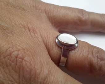 Free Shipping ~ MODERNIST RING ~ Mother of Pearl Ring ~ 925 Silver Ring ~ size 7.25