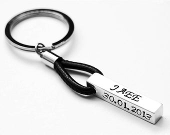 Personalized keychain - Personalized custom Keychain - Mens Gift - Monogram keychain - Personalized gift for him - Anniversary gift for men