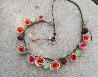 Rose and coral Roses necklace