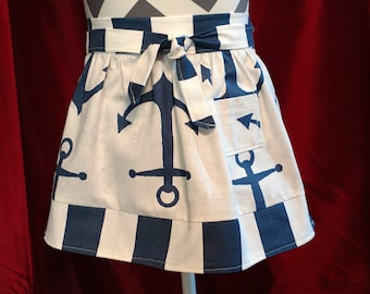 Child-size retro half apron