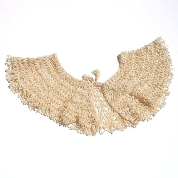 antique tatted lace crochet knit peter pan collar stole 40s 1940s vintage tatting crochette accessory present gift depression era cream