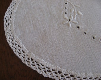 Autumn Sale - Vintage Linen Doily - Pretty Crochet Work and Edging