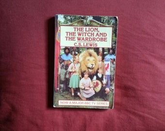 C.S. Lewis - The Lion, The Witch and The Wardrobe (Lions Books 1988)