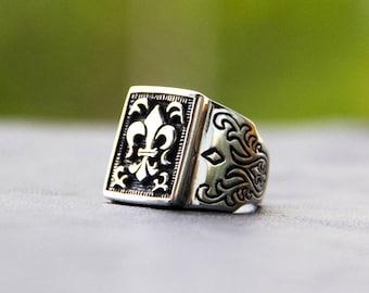 Royal Lily ring. Silver ring. Man ring. Woman ring. Fleur de lis
