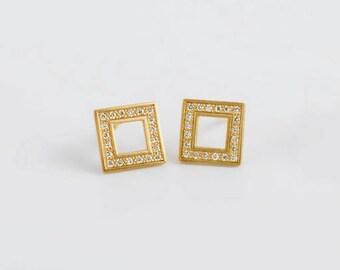 Geometric Minimal Earrings, Diamond Earrings, Minimal Stud Dainty Diamond Tiny Stud Earrings, Bridesmaid Earrings 18k Small Ear