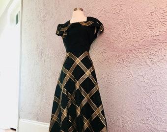 40's Vintage Black and Gold Lame' Taffeta Dress sm/med.