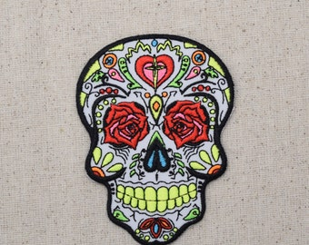 Day of the Dead - Sugar Skull - Dia de los Muertos - Iron on Applique - Embroidered Patch - WA319