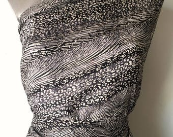2 50Métres chiffon black and white viscose and cotton printed 100GR M2 77 c