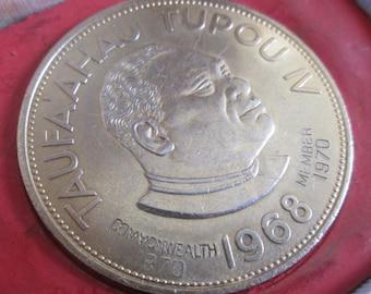 Boxed 1968, Large Two Pa'anga Tonga Coin. Commonwealth member 1970. Taufa'ahau Tupou IV