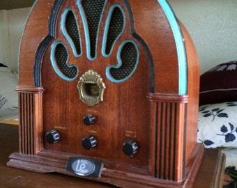 Vintage Radio with mp3 player - refurbished