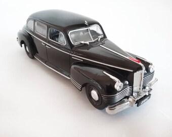 scale car ZIS 110