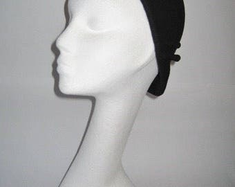 1920's style Brimless Cloche with deco fan detail & velvet ribbon trim