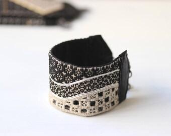 Blackwork bracelet / S40