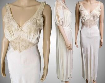 Vintage 1930s Peignoir Set   Burlesque Set   peignoir set   1930s Lingerie   1930s Burlesque Set   1930s Gown   30s Gown   30s Nightgown