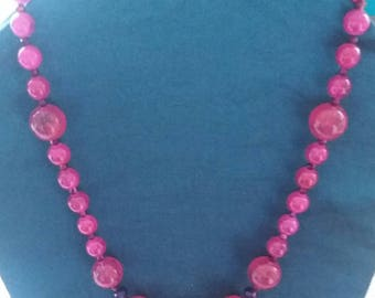 Ladies beaded necklace fuchsia pink and purple beaded necklace.