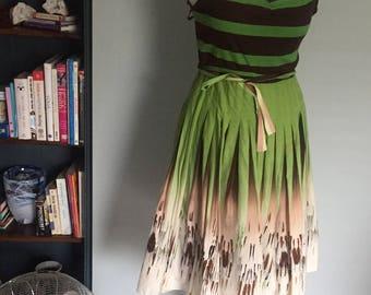 Gorgeous BCBG MaxAzria summer dress green pattern spaghetti strap full skirt pleat