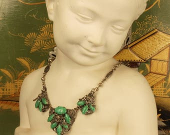 Vintage Czech green Peking glass necklace.