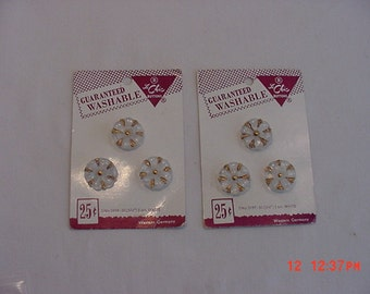 Six Vintage  Le Chic White With Gold Accents Buttons On Original Sale Cards  16 - 520