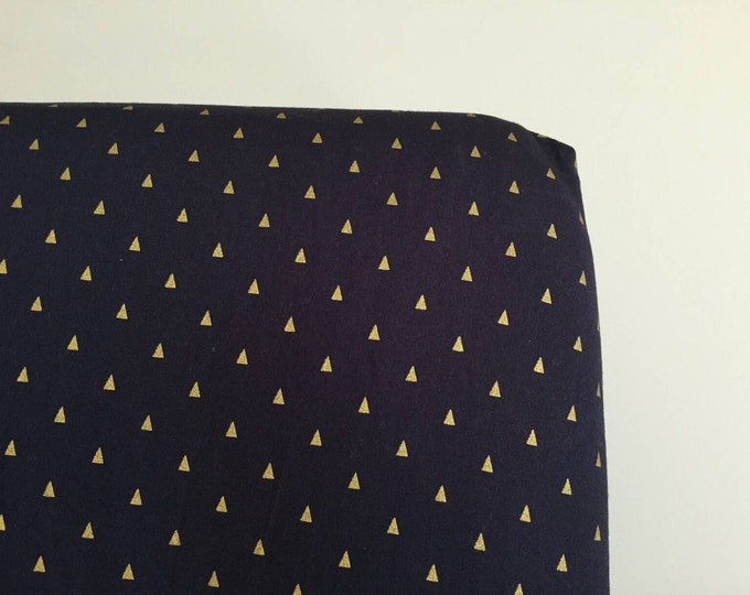 Navy with gold triangle fitted crib sheet