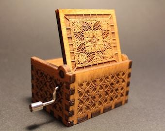 Engraved wooden music box Twinkle Twinkle Little Star