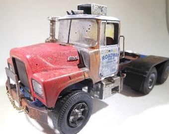 ScaleModelTruck,BigRig,TruckStop,RatRod,MackTruck,JunkYard