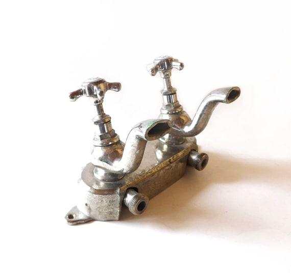 Französische Jahrgang 1950 s Metall Bad Wasserhahn heiß kalt /