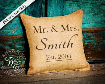 BURLAP PILLOW, Personalized Wedding Gift, PILLOW with Family Name and Established Date, Mr & Mrs Wedding Gift, Family Name Pillow