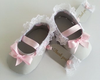 Set Of Ten Pink And Gray Shoe Favors With Thank You Tags / Baby Shower Favors / Shower For Baby Girl
