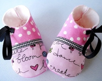 SALE - PDF ePattern - Penguin and Plain Booties with Ribbon Ties