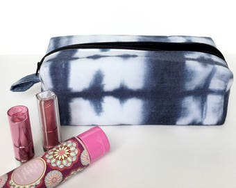 Cute makeup bag, boxy pouch, large makeup bag, boxed zipper pouch, boxed make up bag, padded zip pouch, accessories case, travel bag