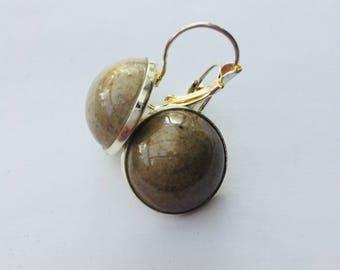 beige ceramic earrings