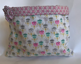 Gift bag, fabric storage bag, jewellery storage bag, pinks, flowers, fabric bag, pretty gift bag, craft bag