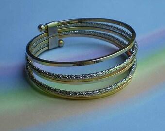 Vintage 60s Mod Hoops Bangle Bracelet