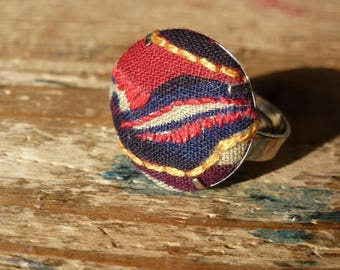 Round embroidered multicolored African fabric ring